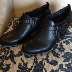 Women's Size 12 Baretraps Black Booties